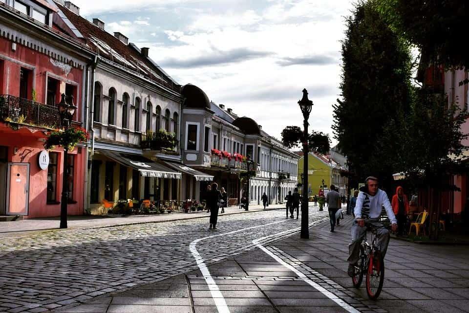 Евтини Самолетни билети от Бургас до Каунас
