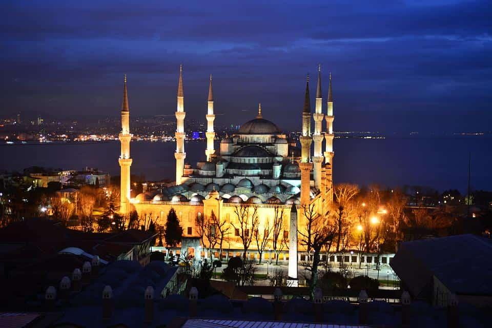 Евтини самолетни билети до Истанбул